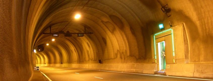 Tunnel-Social-Media